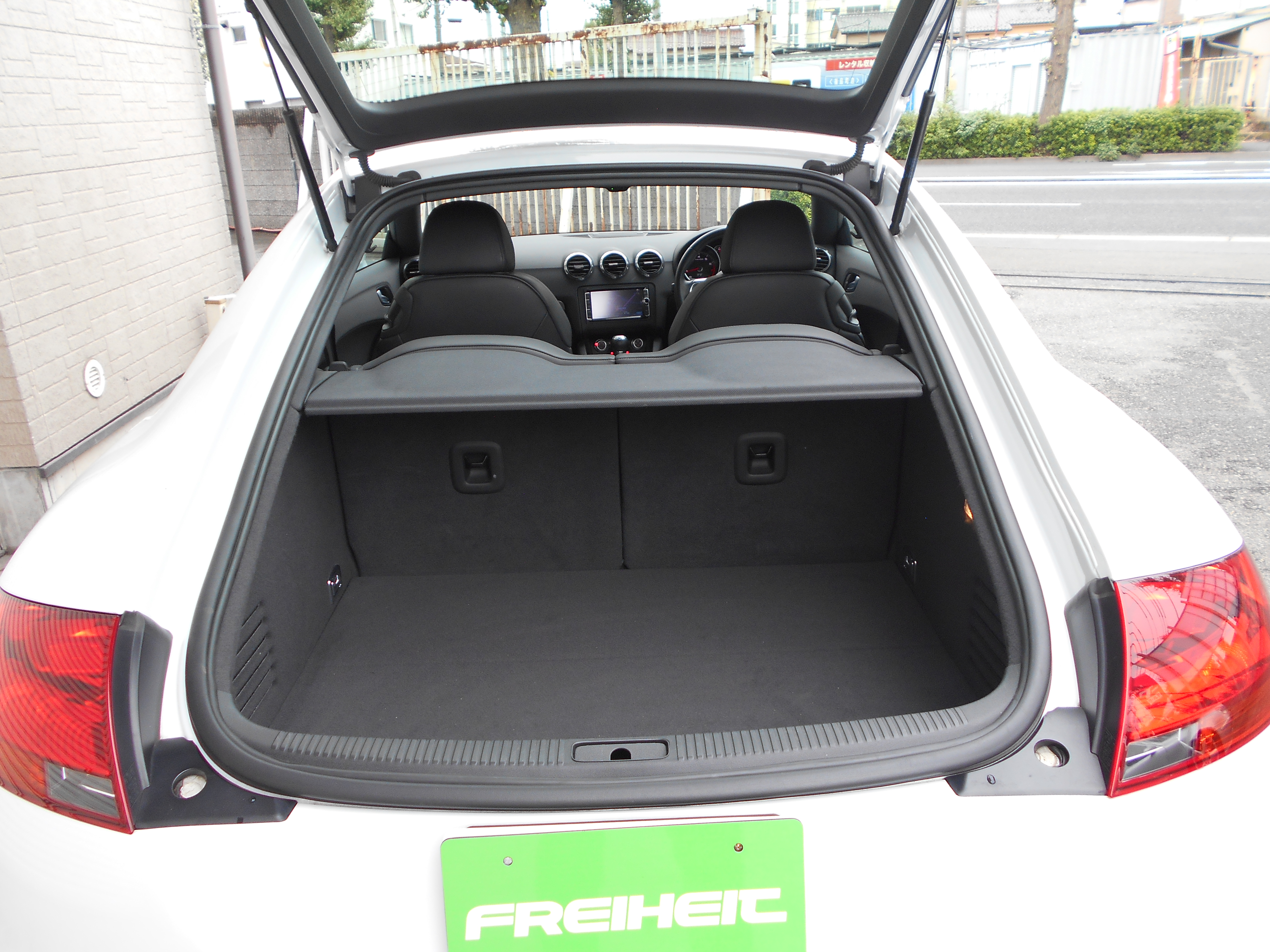 Audi TTクーペ 1.8TFSI レザーPKG